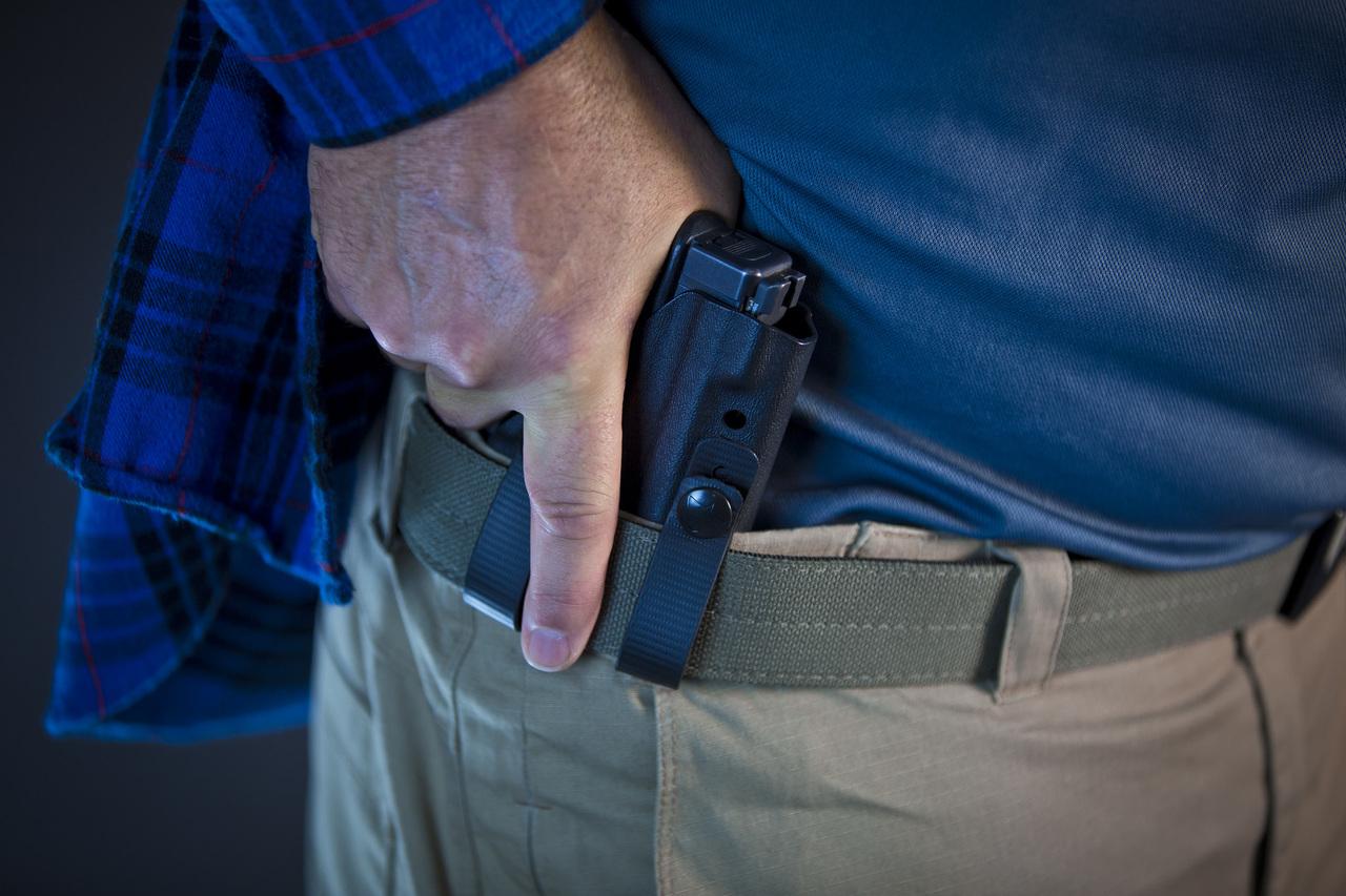 The 3 Best IWB Holsters for Glock 23 Handguns [REVIEWS]
