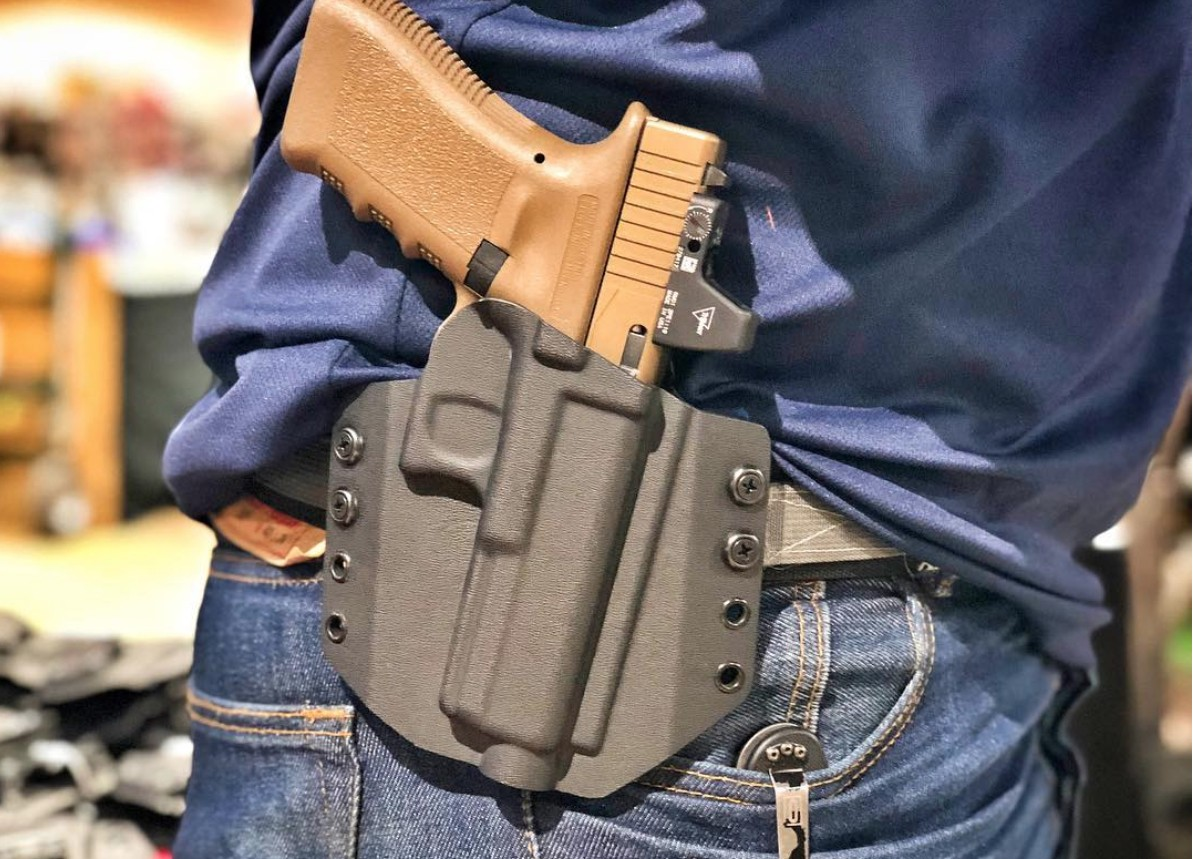 The 5 Best OWB Holsters (Outside the Waistband Carry)